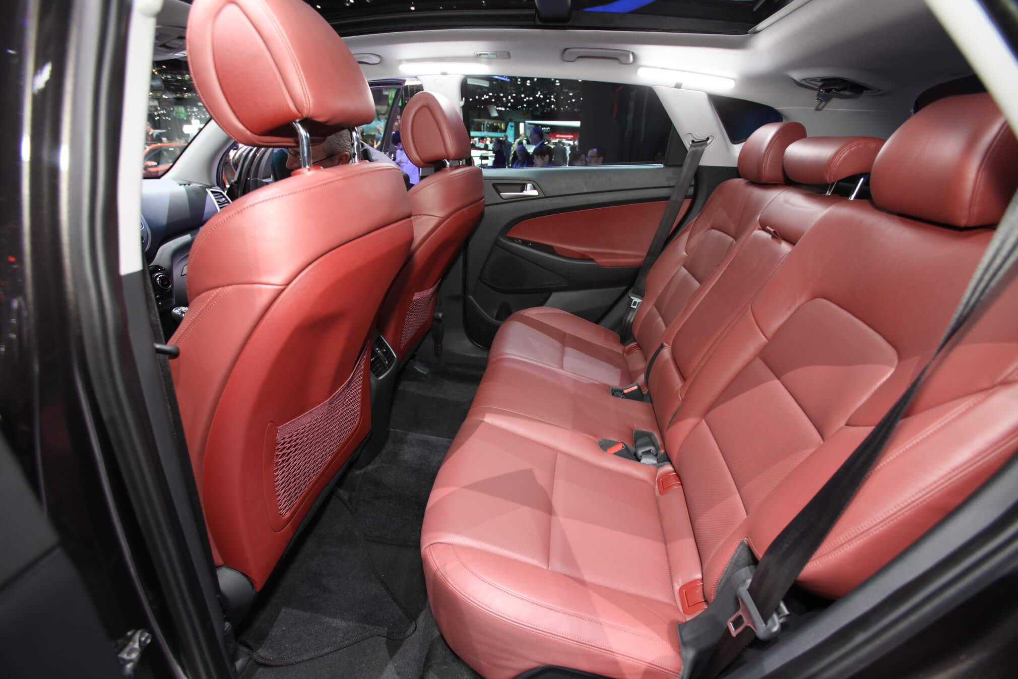 2016-Hyundai-Tucson-European-Spec-rear-interior-seats