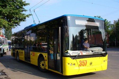 нічні і опівнічні тролейбуси